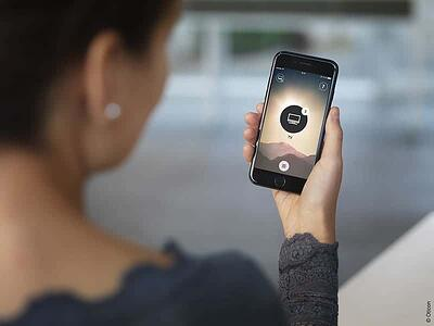 Oticon_Connectivity_ON_App_iPhone_7_GAB_0074_Width200mm_300dpi_C_Oticon